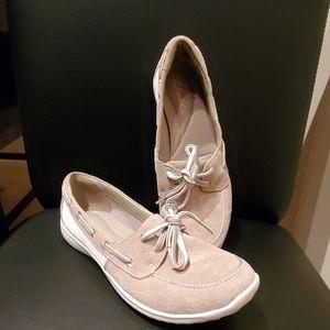 Clarks - Women's Boat shoe Size 7.5